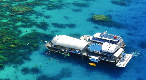 Great Barrier Reef Tour Cairns - Aerial view Great Barrier Reef Cruises pontoon