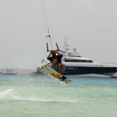 Great Barrier Reef Activities | Kiteboarding