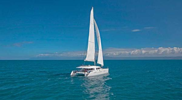 Great Barrier Reef Tour | Luxury private charter sailing boat on the Great Barrier Reef in Australia
