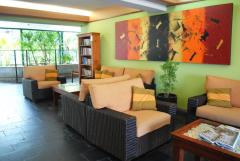 Guest Lounge - Bay Village Tropical Retreat Cairns