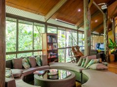 Guest Lounge - Daintree Eco Lodge & Spa