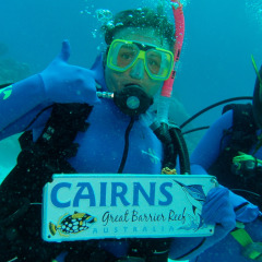Happy Divers on the Great Barrier Reef Cairns