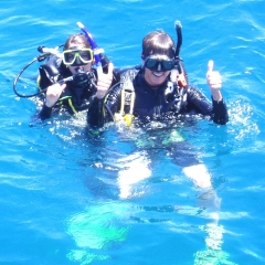 Happy Intro Divers on Reef Tour