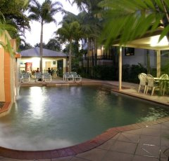 Cairns Motel -Heated Swimming Pool at Grosvenor in Cairns