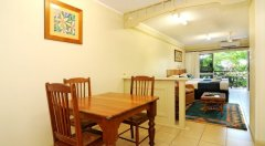 Cairns accommodation Standard Suite (Hibiscus)