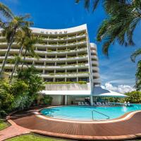 Relax by the outdoor Swimming Pool at Hilton Hotel Cairns | Cairns Waterfront Hotel