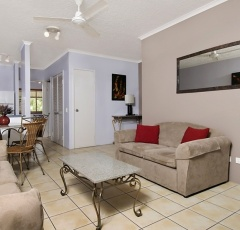 Holiday Apartments at Cairns Beach Resort