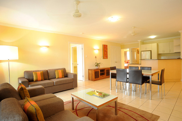 Cairns City Holiday Apartments | Bay Village Tropical Resort Cairns