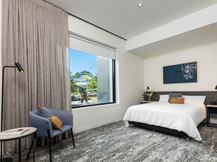 Hotel Deluxe Room | Oaks Hotel Cairns