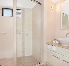 Hotel Room Bathroom - Adult only Resort & Spa Port Douglas