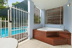 Hotel Spa Swimout - Mantra Aqueous Port Douglas