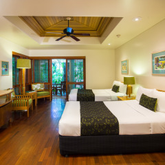 Island Suite (Twin Room or King Room) Green Island Resort