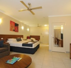 Cairns Accommodation - Deluxe Hotel Room (Jasmine) - Great Family Accommodation