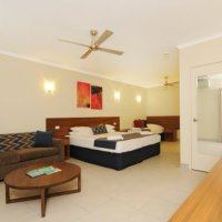 Cairns Accommodation - Deluxe Hotel Room (Jasmine) - Cairns Motel
