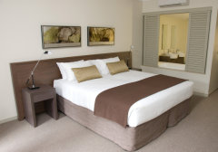 King Bed in Apartments - Paradise Palms Resort