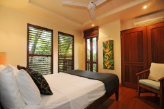 King Bedroom - Port Douglas Luxury Holiday Home