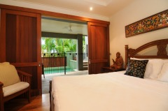 King Size Bedroom - Port Douglas Luxury Holiday Home