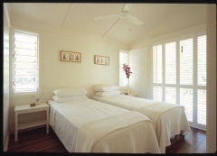King/Twin Bedroom - Pines Beachfront Holiday House Port Douglas