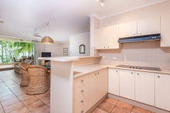 Kitchen Facilities - Paringa Holiday Apartment Palm Cove
