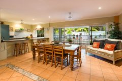 Kitchen and Dining area - Palm Cove Holiday Home
