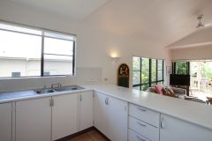 Kitchen Facilities - Driftwood Mantaray Apartments Port Douglas