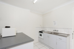 Kitchenette Facilities - Cairns Motel Accommodation