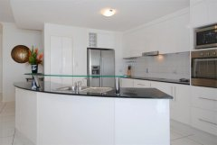 Large Kitchen with Modern Appliances  - Bellevue Trinity Beach holiday apartments