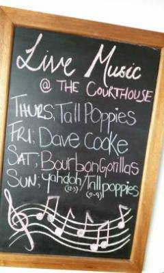 Live Entertainment | Happy Times At The Courthouse Hotel Port Douglas Queensland