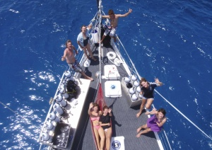 Liveaboard Overnight Dive Boat 2 days 1 night On The Great Barrier Reef