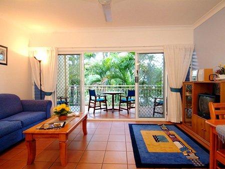 Cairns Beaches Accommodation Yorkeys Knob Holiday Accommodation Beachfron