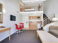 Cairns Accommodation - Loft Room & Spa - Ibis Styles Cairns