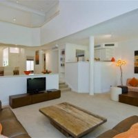 Port Douglas holiday homes split level lounge room