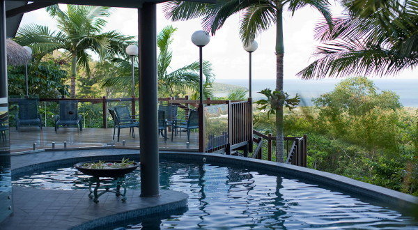 Palm Cove Luxury Holiday Home | Overlooking Palm Cove | Executive Holiday House