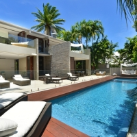 Stunning Private Swimming Pool at Mirage Beachfront Estate - Luxury Port Douglas Holiday Home