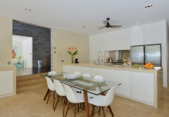 Mirage Port Douglas Beachfront Estate - Luxury Port Douglas Holiday Home - Dining Area