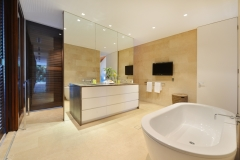 Mirage Beachfront Estate Port Douglas - Luxury Holiday Home - Master Ensuite