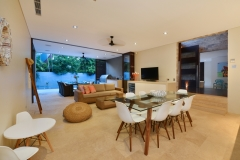 Mirage Beachfront Estate Port Douglas - Luxury Holiday Home - Lounge & Dining Room