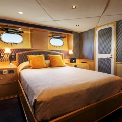 Luxury Private Charter Boat | Queen Stateroom