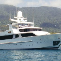 Private Luxury Charter Boat| Cairns, Port Douglas, Whitsundays and Gold Coast