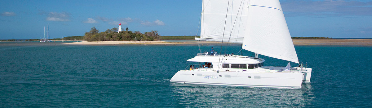 Luxury sailing boat tour on Great Barrier Reef Australia