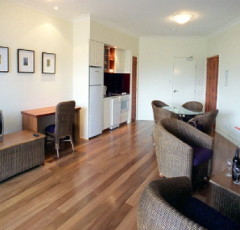 Macrossan St Hotel | Port Douglas Resort Accommodation
