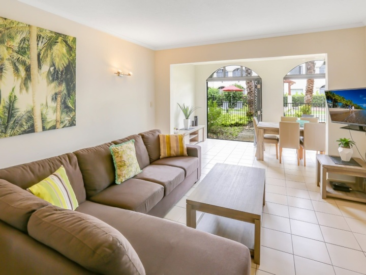 Spacious Courtyard Apartment | Mango Lagoon Resort & Spa Palm Cove