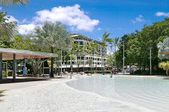 Mantra Esplanade - prime location on Cairns Esplanade across from Lagoon and Esplanade Restaurants