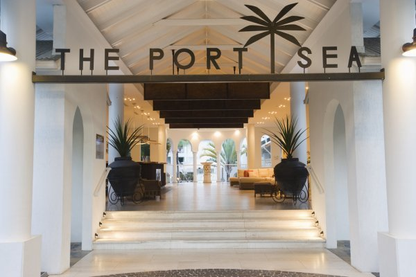 Mantra Port Sea Resort Entrance