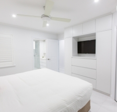 Master Bedroom - On The Beach Luxury Holiday Apartment Palm Cove