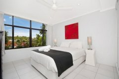 Master Bedroom - Relax Apartment Palm Cove Self Contained Holiday Apartment