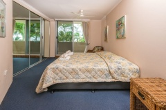 Master Bedroom - Paringa Holiday Apartment Palm Cove