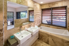 Master Bedroom Ensuite - Luxury Port Douglas Holiday House