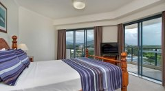 Book a Master Bedroom holiday apartment with views over Cairns Esplanade!