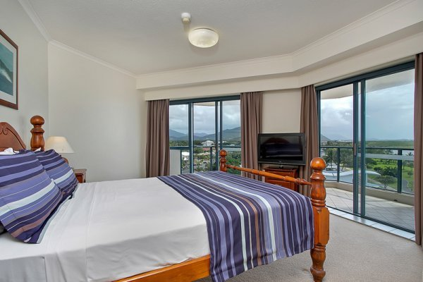 cairns esplanade holiday apartments self catering